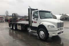 Flat-bed-truck-with-Moffett